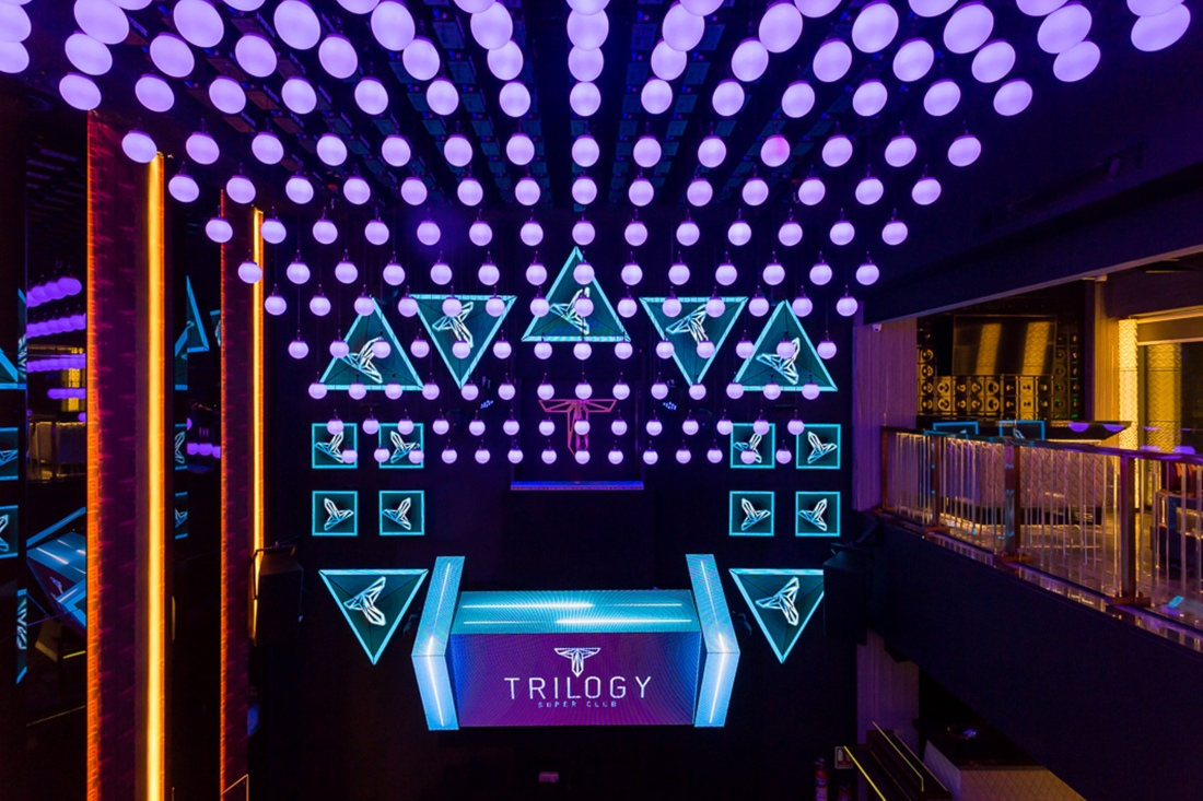 interior-design-trilogy-club-juhu-mumbai-club.jpg